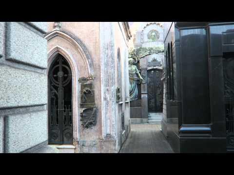 La Recoleta Cemetery Walking Tour, Buenos AIres (HD)