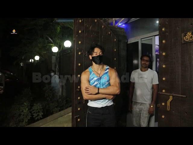 Tiger Shroff Snapped At Avidesh Dubbing Studio Juhu 1
