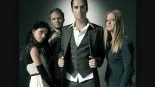 Skillet- Whispers in the dark- Download