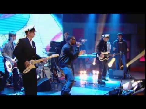 Gorillaz - On Melancholy Hill / Clint Eastwood (Live performance at Jonathan Ross )
