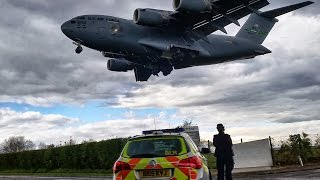 Insane USAF Boeing C-17 Globemaster landing at RAF Northolt - London!!
