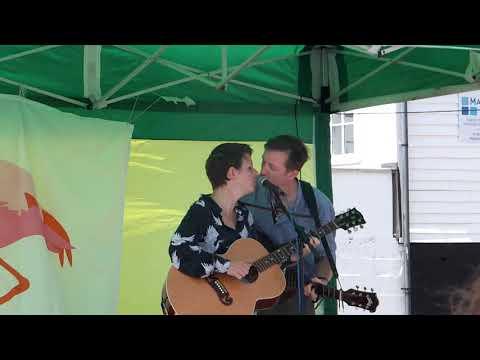 Trevor Moss & Hannah-Lou at the Leigh Folk Festival 2018 Mp3