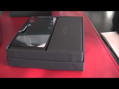 Motorola Droid RAZR M Unboxing - Phandroid.com