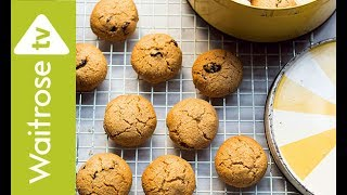 Dr Hazel Wallace The Food Medic's Oatmeal, Cinnamon and Raisin Cookies | Waitrose