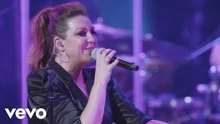 Nina Pastori con Rosalia - Cuando Te Beso (En Directo)