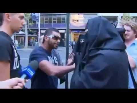 إماراتي-يعترض-على-استراليين-سخروا-من-الحجاب