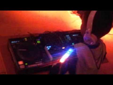 DJ Kid Ello Performance Balikpapan Glow Run 2014
