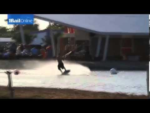 Justin Bieber soaks up the sun at Panamanian resort