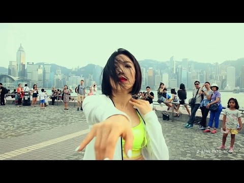 Lia Kim Freestyle in Victoria Harbour | ELLE Hong Kong