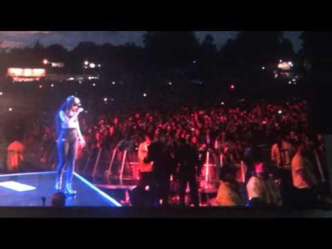 Rihanna Take A Bow at Wireless