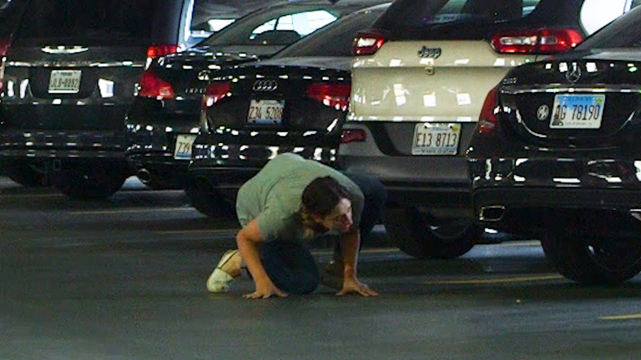 heartbreaking-woman-in-parking-garage-doesn-t-remember-which-car-she-hid-her-calzone-under