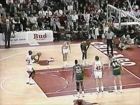 Michael Jordan 1989-90: 43 points Vs. Milwaukee Bucks.