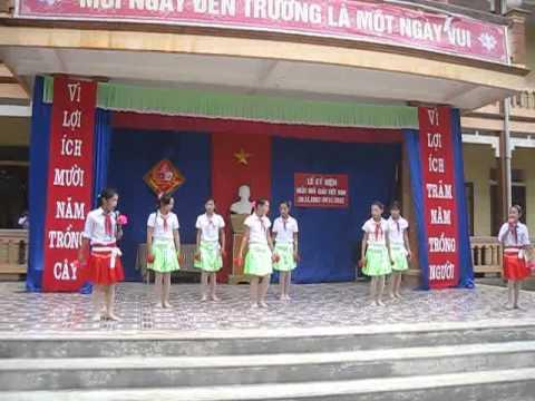 Bài múa Bụi phấn  Lớp 8C  cấp 2 Định Hưng
