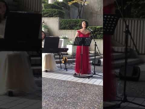 カラー・オブ・ザ・ウインド(ポカホンタス) 持田温子さん(ソプラノ) アークカラヤン広場 ミニコンサート
