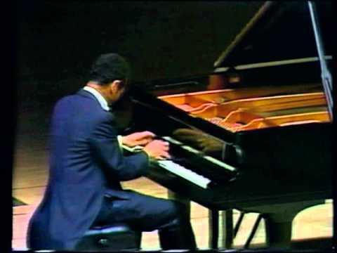 Liszt -- Andre Watts -- Paganini Etudes Nos. 1 (Trémolo) and 2 (Octaves)
