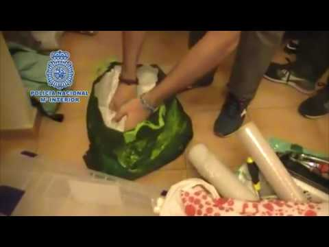 Transportaban cocaína oculta en muebles de mudanza