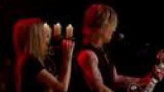 Avril Lavigne & Goo Goo Dolls Iris live