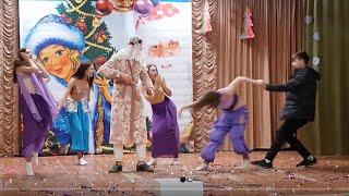 Новогодний концерт. 7В класс. Новый год в  Арабских Эмиратах.