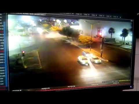 Momento de la explosión en plaza comercial de Culiacán