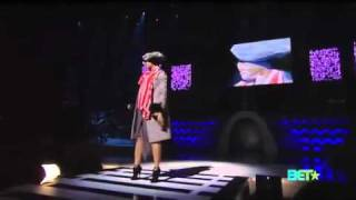 "Erykah Badu - ""Window Seat""  2010 Soul Train Awards"