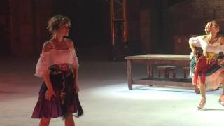 Албена Денкова в ледовом шоу