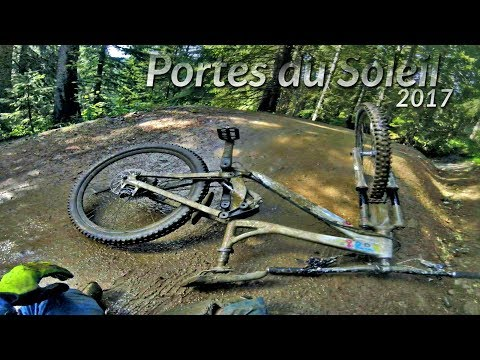DOWNHILL IN POURING RAIN - Bikepark Châtel PdS#09 -subtitled-