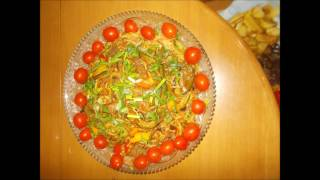 Китайская кухня: Яичная лапша с овощами и свининой