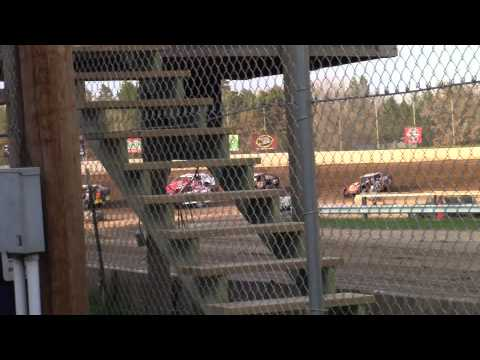North Central Speedway WISSOTA Midwest Modified Heat May 17th, 2014