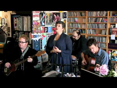 Kelly Hogan: NPR Music Tiny Desk Concert