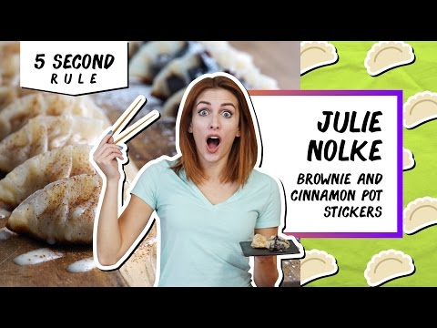 ASK THE AUDIENCE: Finding the Ultimate Comfort Food   5 Second Rule with Julie