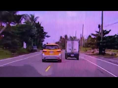計程車司機素質就是讚! 逆向超車邊煞車