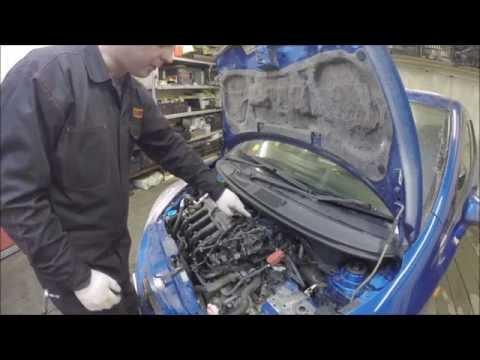Как почистить форсунки на Honda Fit GD. Часть 1 - СНЯТИЕ