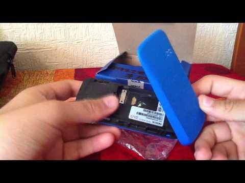Unboxing Nokia 100