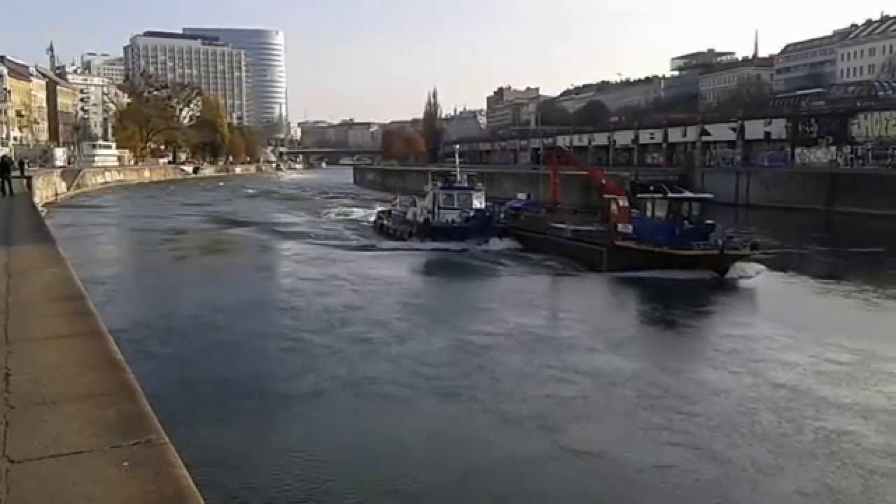 Schiff am Wiener Donaukanal (Schützenhaus) - YouTube