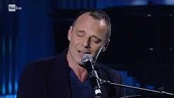"""Alessandro Preziosi canta """"Felicità"""" - Una storia da cantare 07/03/2020"""