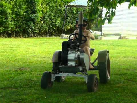 tracteur transporteur de buches funnydog tv. Black Bedroom Furniture Sets. Home Design Ideas