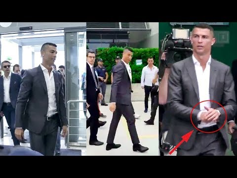 Cristiano Ronaldo Sings 'Juve, Juve' and Meets His New Fans For the First Time 2018 HD