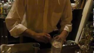 カクテル、ジントニックの作り方2(cold gin & tonic cocktail drink recipe)