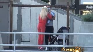 Nikolina i Kapor u setnji sa sinom - Paparazzo lov - (Tv Pink)