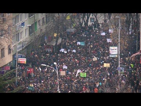 Гласноста на студентите што го прекина шепотењето во Македонија