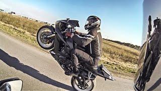 CBR1000RR VS Yamaha R1 Wheelie - Rapapam