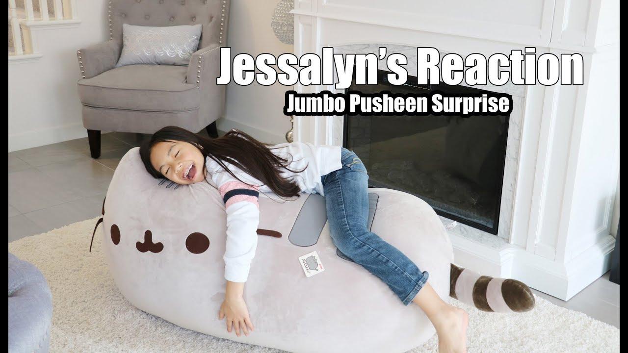 Jessalyn S Reaction To Surprise Jumbo Pusheen Youtube
