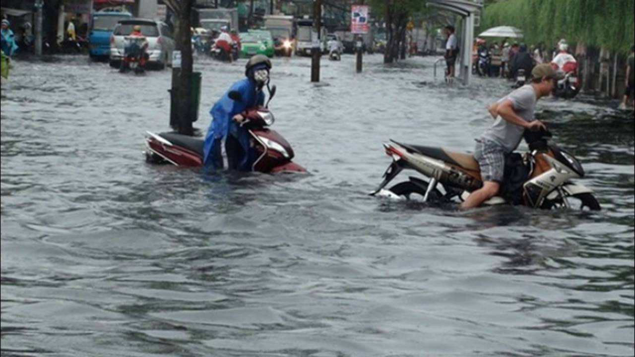 Flooding in hochiminh city (saigon) sep 2016 - vietnam ...