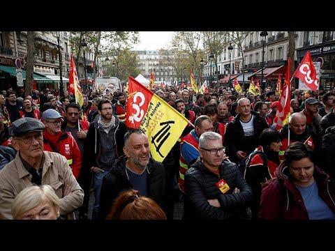 فرنسا على موعد مع أكبر إضراب لعمال النقل والمعلمين احتجاجا على تعديلات في قانون التقاعد…  - 08:59-2019 / 12 / 5