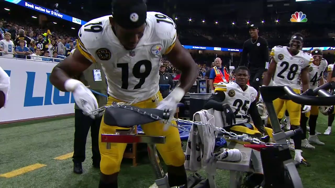 Smith Schuster chains up bike after 97 yard TD