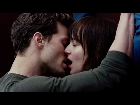 5 SEXIEST Moments From 'Fifty Shades of Grey' Trailer