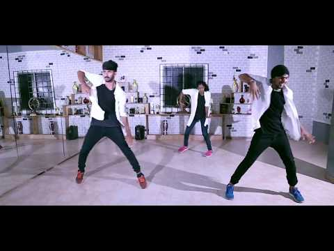 Senyoreeta Dance Cover/Dmoves Dance Academy/Poovellam Kettuppar/yuvan/surya/jothika