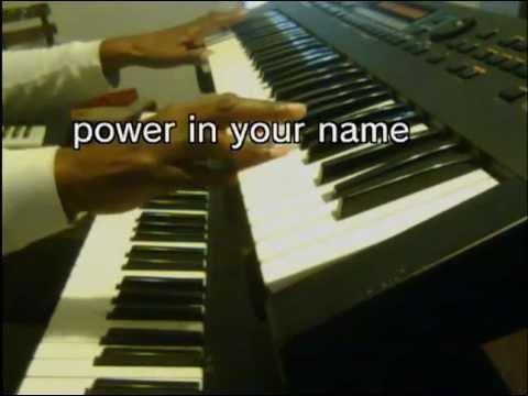 Something happens Kurt Carr (lyrics) piano