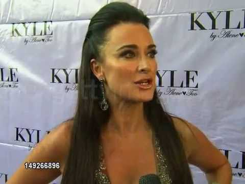 Kyle Richards opens a clothing store in Beverly Hills