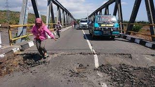Video Seorang meninggal dunia, enam parah akibat gempa bumi di Lombok download MP3, 3GP, MP4, WEBM, AVI, FLV Oktober 2018